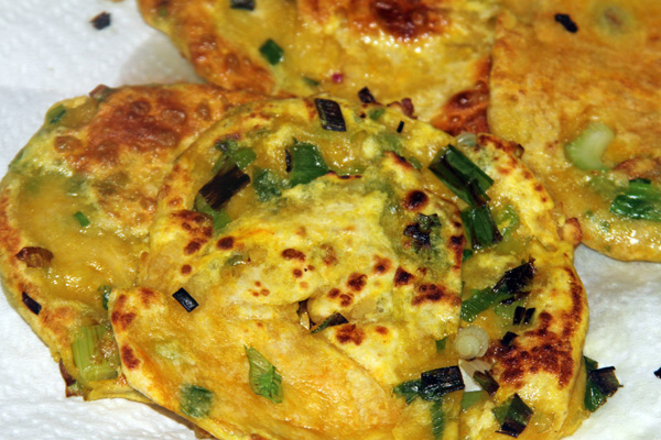 Easy scallion cakes (green onion cakes)